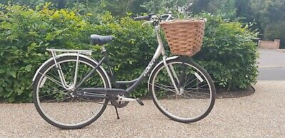 Giant Expression N3 Ladies Bike. 28in Wheels. Used, But In Very Good Condition. • 37£
