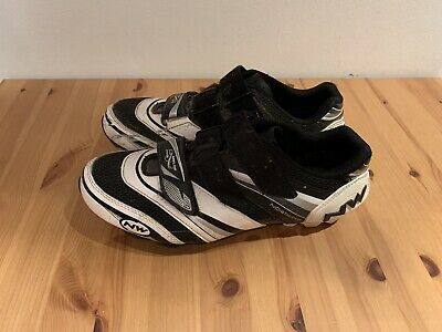 Northwave Cycling Shoes Size 9 SPD Cleats Included • 25£
