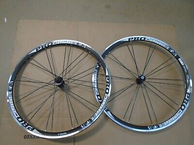 Pro Lite Garda Clincher Road Wheelset 700C BLACK/WHITE [ • 54£