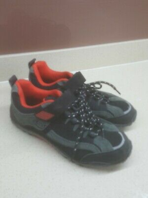 Airstar Cycling Shoes Size EU 37 / UK 4.5 In Red/Black, Brand New. • 14.50£
