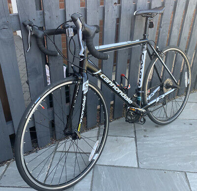 Cannondale CAAD8 Claris 54cm Road Bike. • 250£