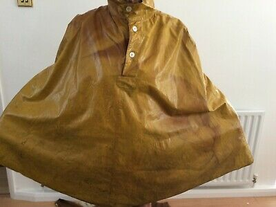 Vintage Oilskin Type Cape From The 1960's • 35£