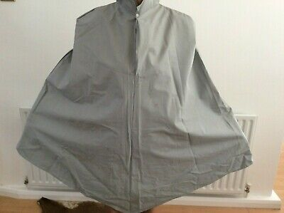 Grey Plastic Heavy Weight Cycle Cape • 7£