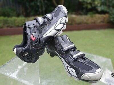Specialized Mountain Bike Shoes, And SPD Peddles. Size 10 (44) • 27£