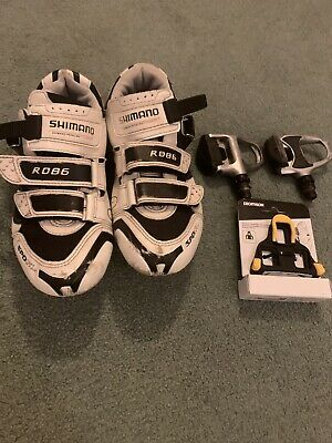 Shimano Cycling Shoes Size 39/40 & Pedals • 20£