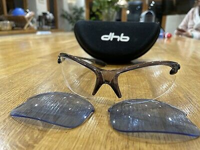Sunglasses With Blue And Clear Lenses • 6.75£