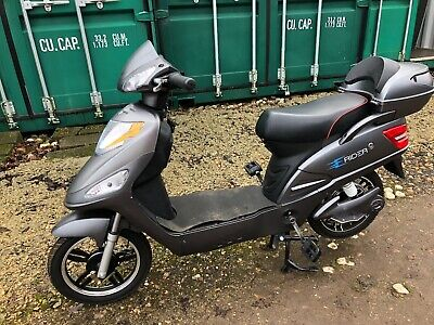 USED Model 15 E Rider Electric Moped Scooter 48V 12Ah - 15MPH. BRAND NEW Battery • 362£