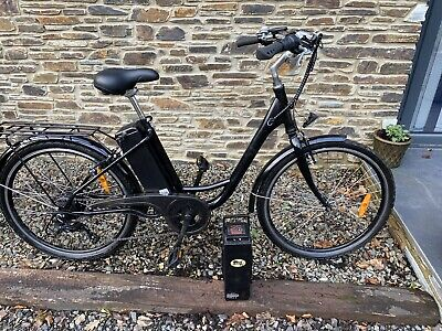 Black Electric Bike With Extra Battery • 400£