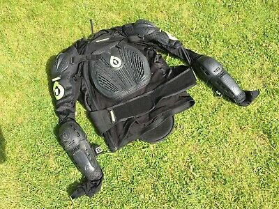 661 Vapor Pressure Suit - Body Armour - Large - Black / Green - Used • 1.20£