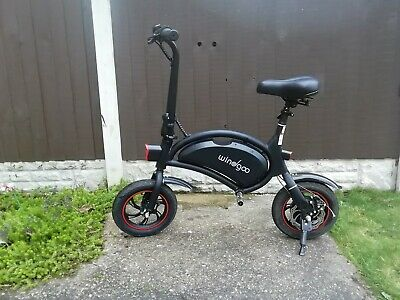 Windgoo Electric Bike/Scooter In Black, 12 Inch Wheels, Excellent Condition • 102£