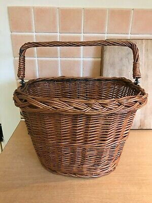 Wicker Bicycle Basket With Handle - Attachement Bracket On Basket • 15£
