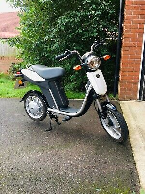 Electric Moped Scooter Bike  • 750£